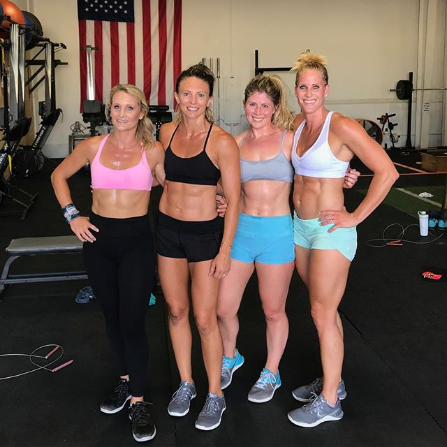 Some of @hidden_alley_crossfit coaches after testing our new endurance wod program